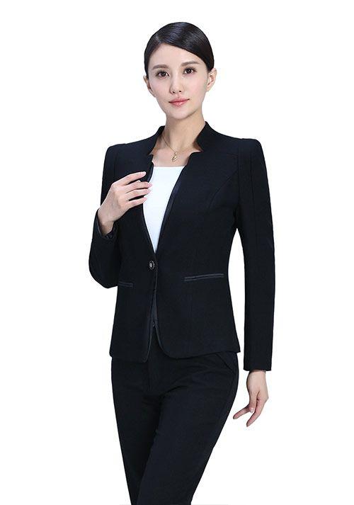 通勤的MM怎么穿黑色一步裙-